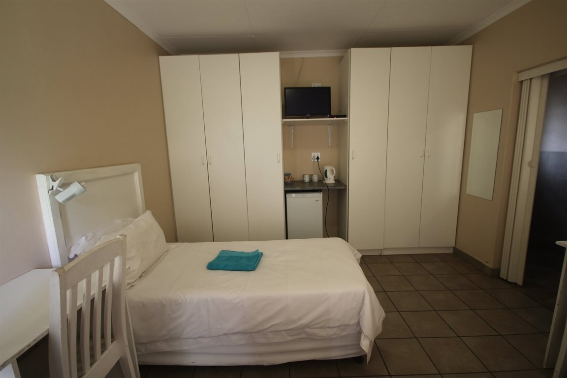 13 bed-roomed GUESTHOUSE available for you!!!