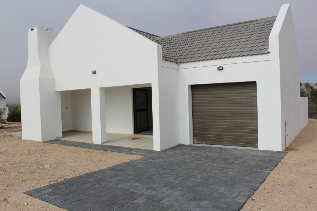 2 BedroomHouse For Sale In Britannia Bay