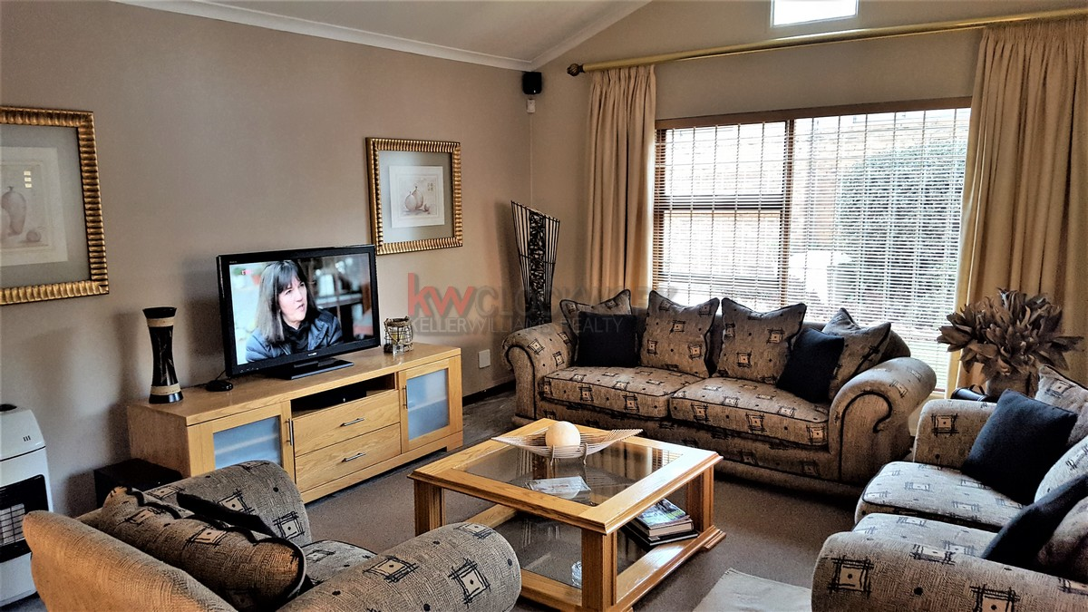 3 Bedroom Townhouse for sale in Bassonia ENT0044188 : photo#3