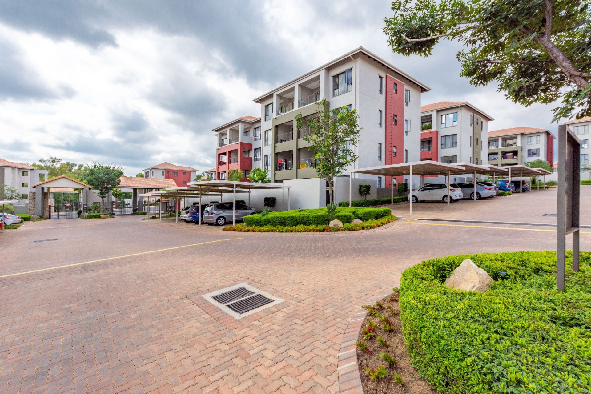 2 Bedroom Apartment for Sale in Lonehill