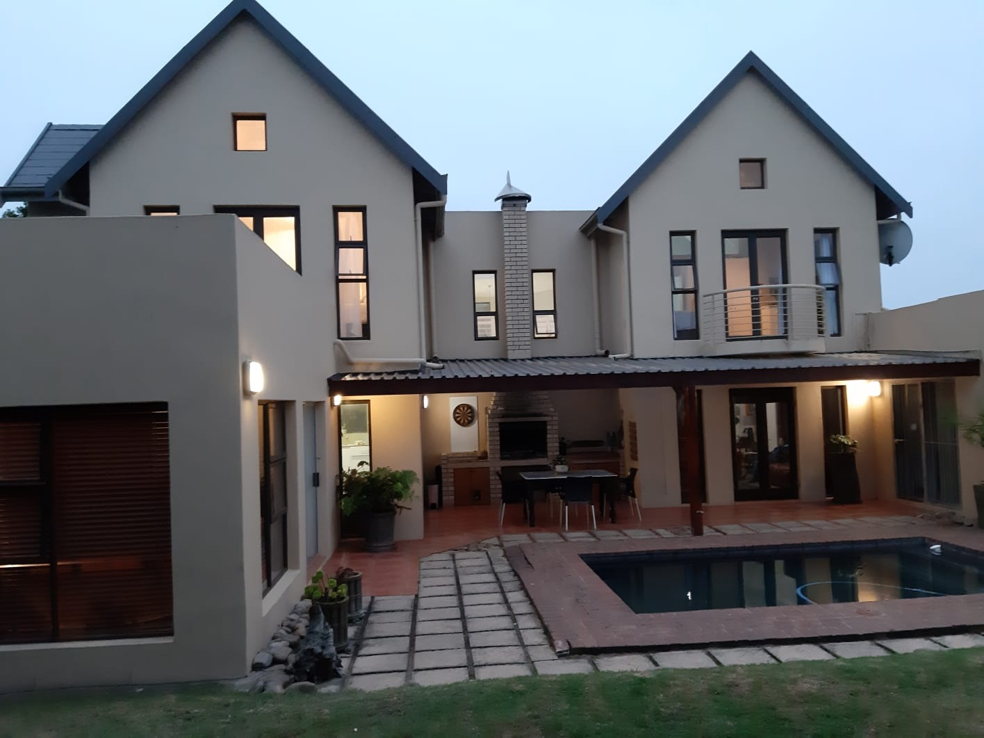 Spacious 4 Bedroom Family Home in Wilderness Central