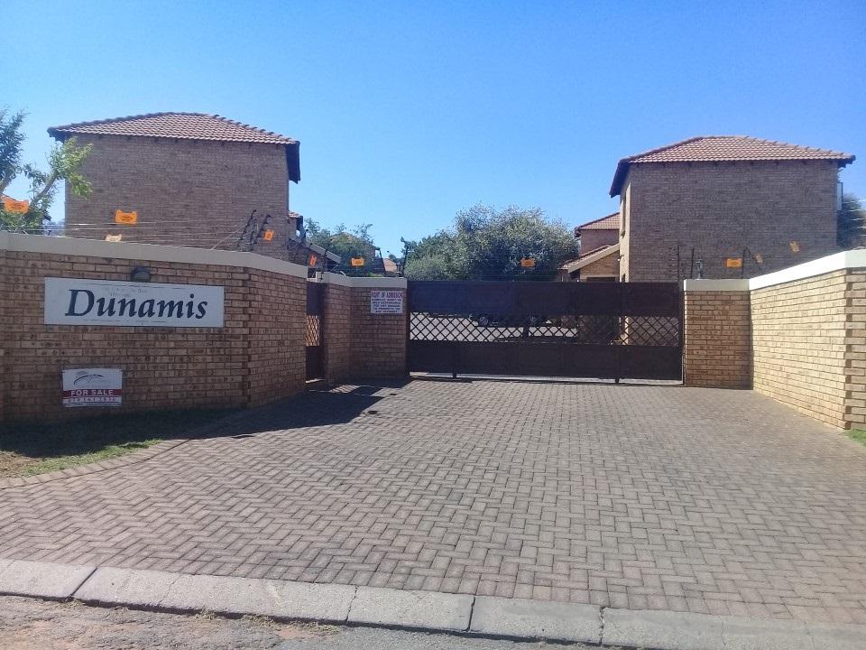 2 BedroomTownhouse For Sale In Witpoortjie