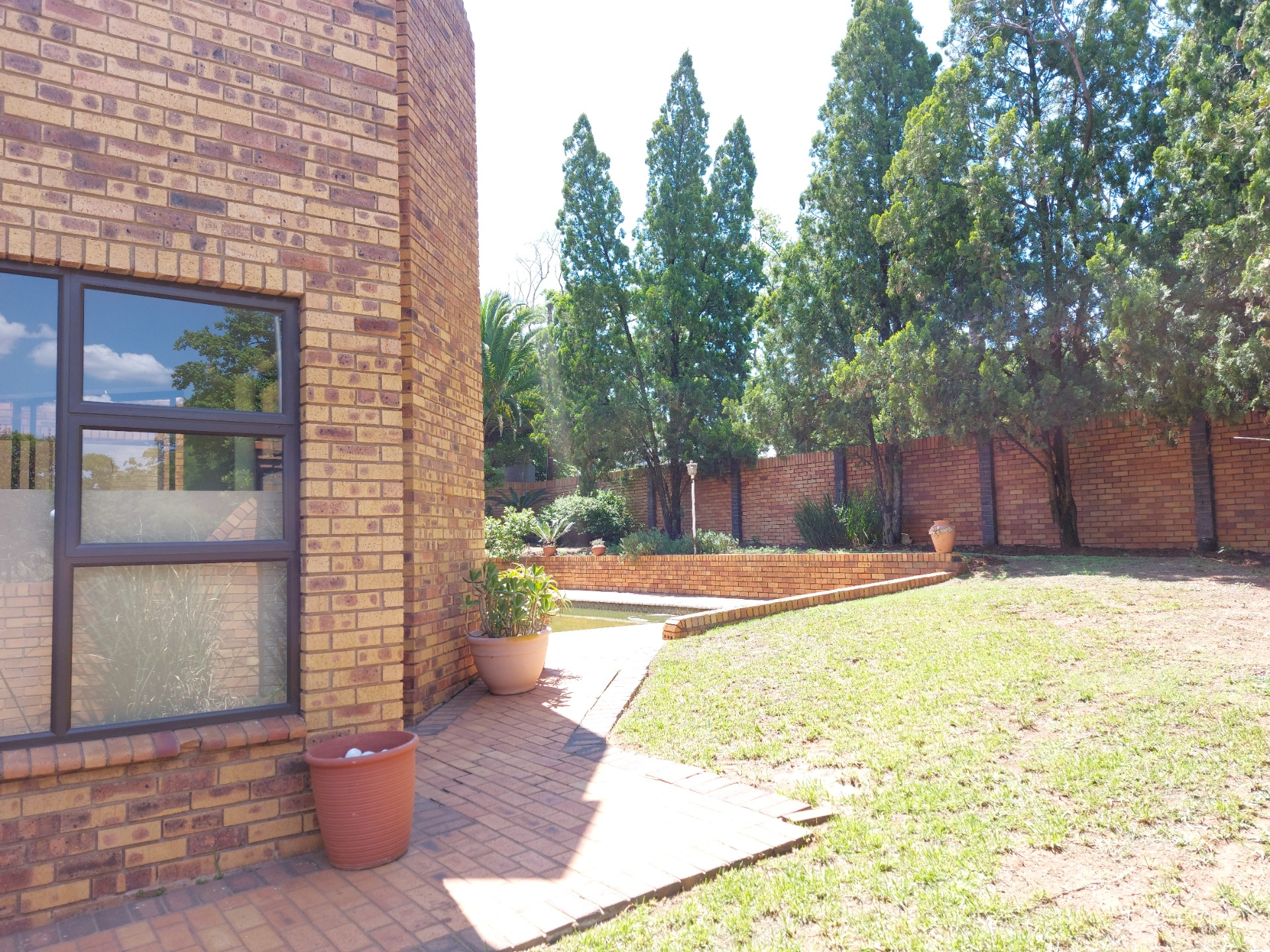 5 Bedrooms family home for sale in Kyalami