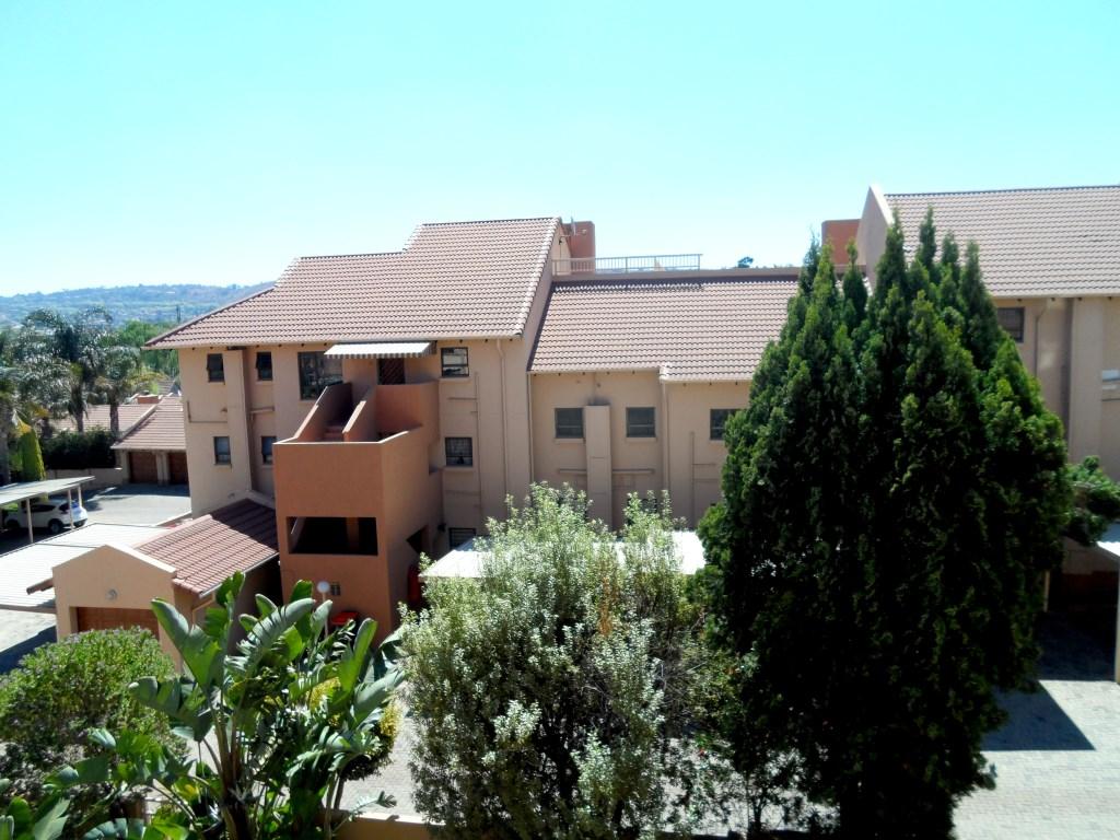 4 BedroomTownhouse To Rent In Bedfordview