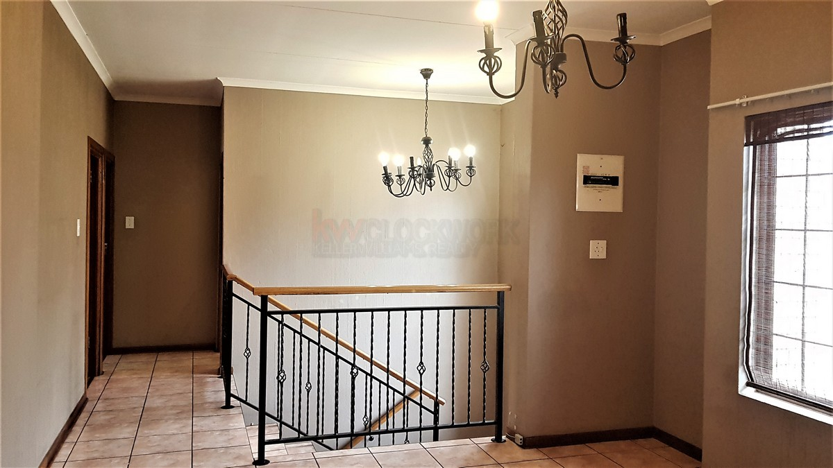 3 Bedroom House for sale in South Crest ENT0086991 : photo#5