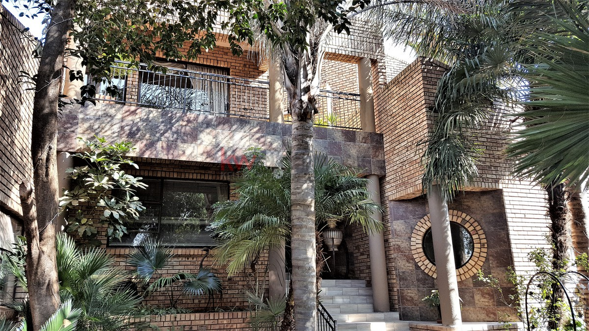 4 BedroomHouse For Sale In Meyersdal