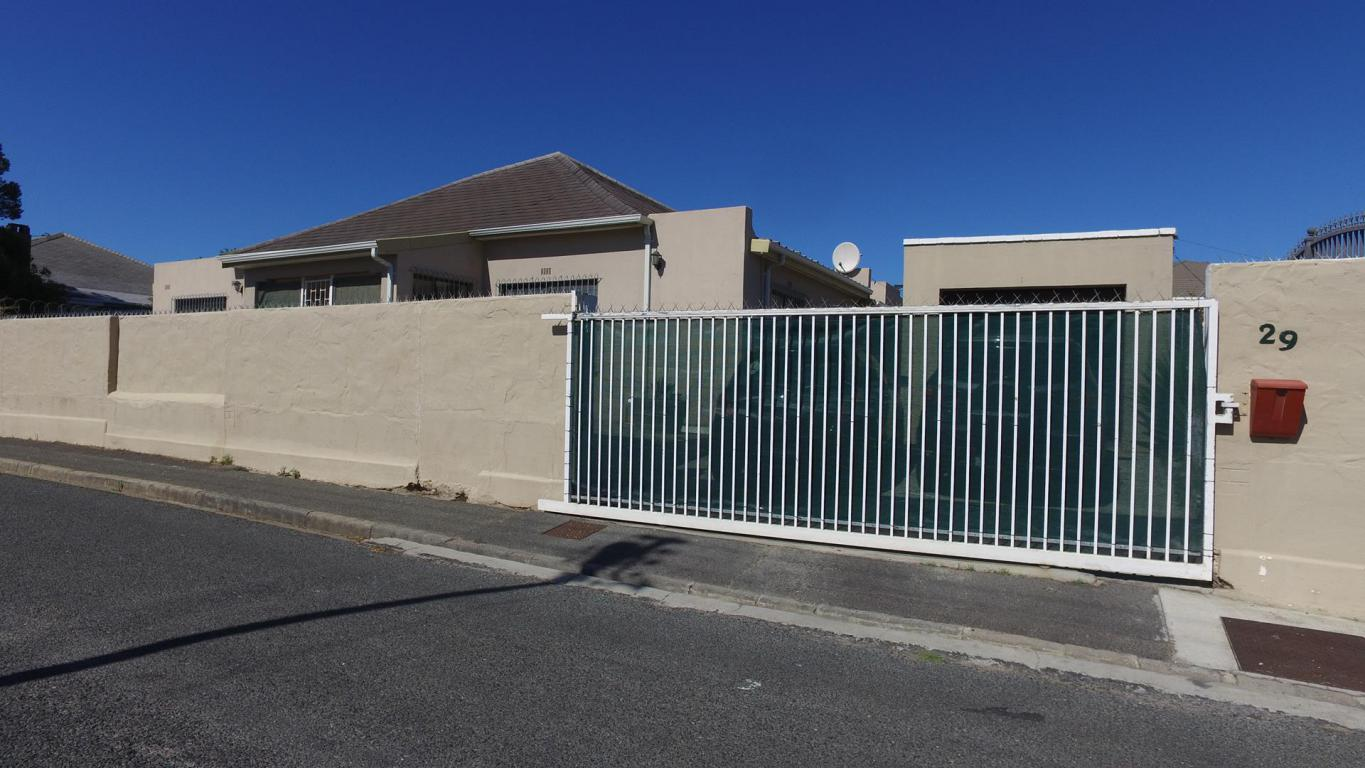4 BedroomHouse For Sale In Strand