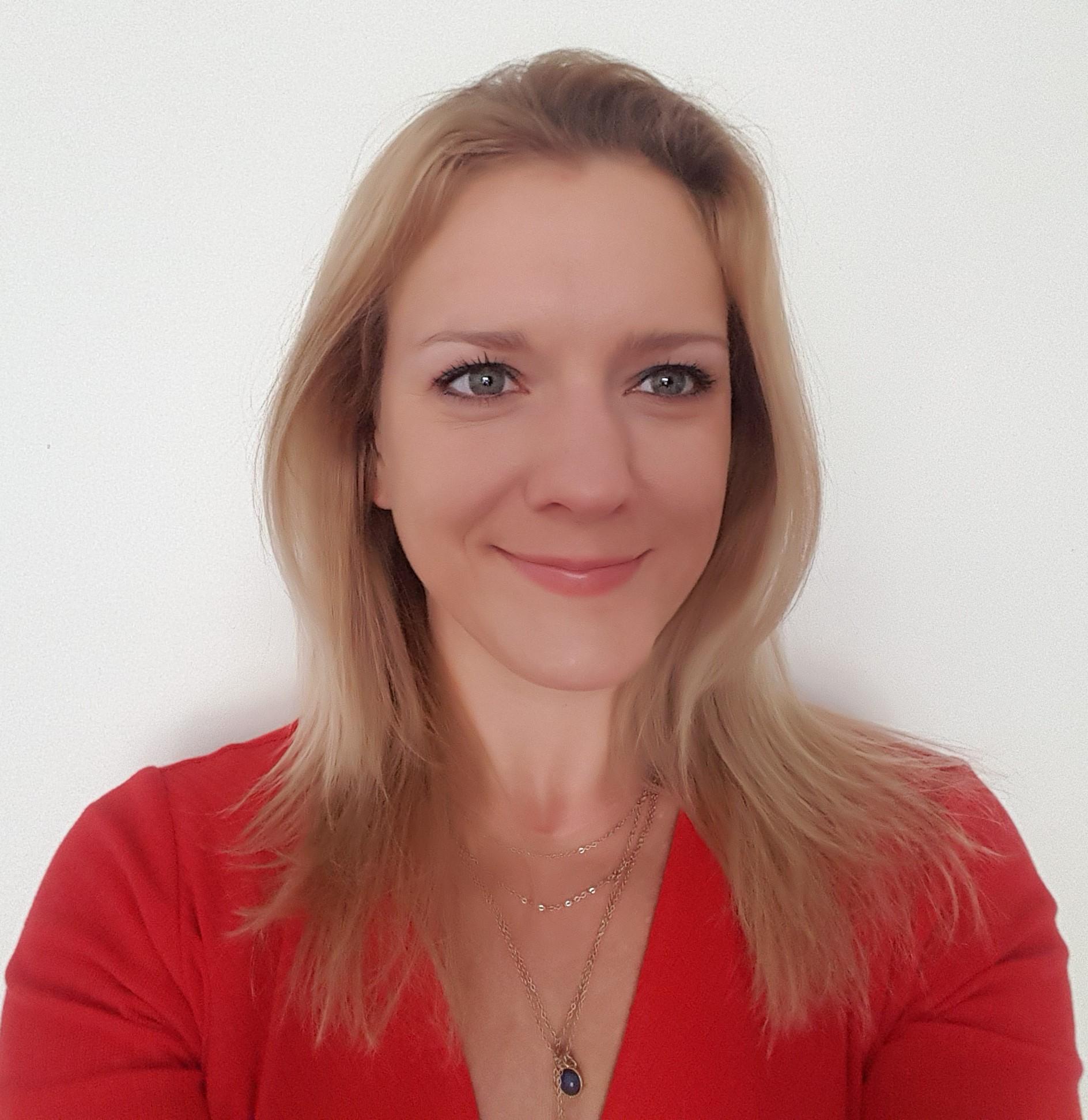 Real Estate Agent - Anna Chernenkova