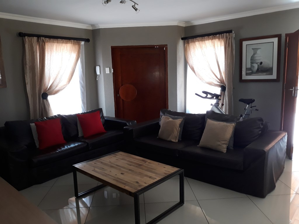 3 Bedroom Cluster for sale in New Redruth ENT0091737 : photo#5