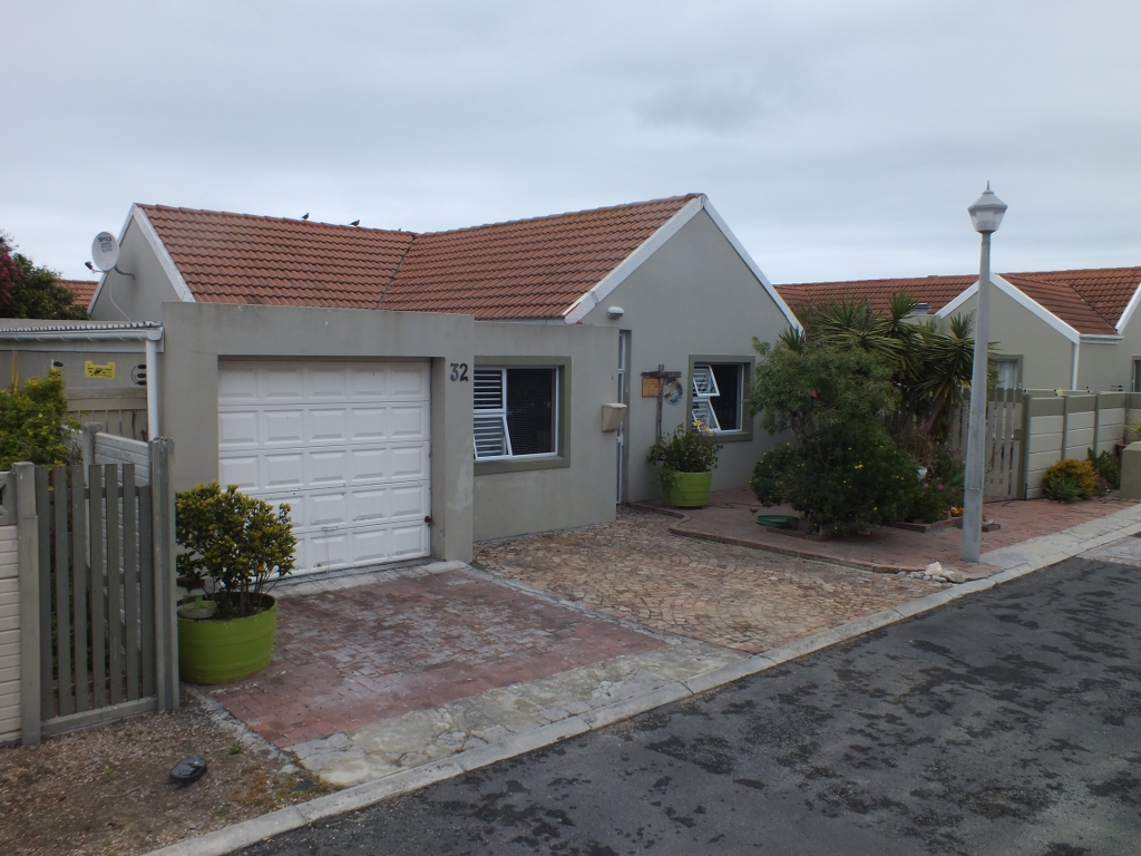 3 Bedroom House for sale in Franskraal ENT0069143 : photo#5