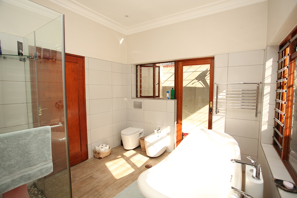 4 Bedroom House for sale in Waterkloof ENT0009460 : photo#17