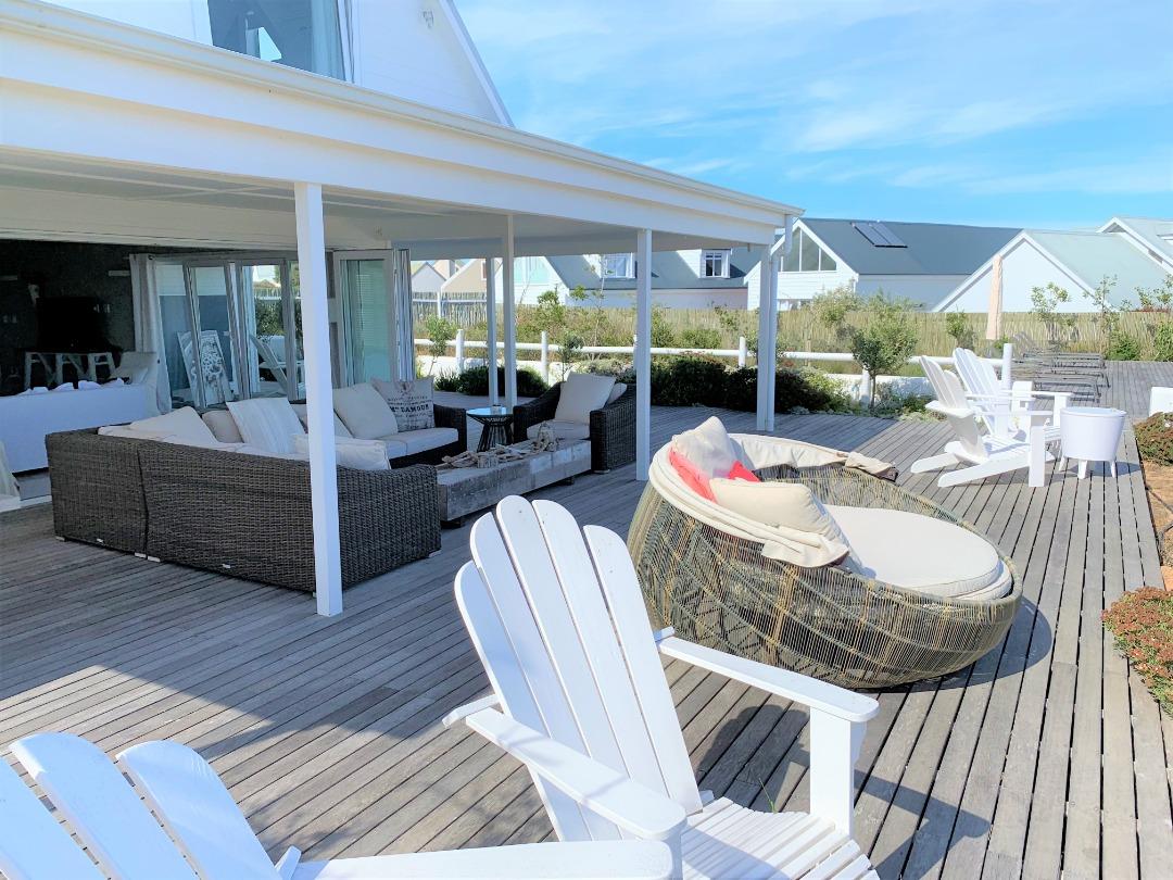 Stylish Contemporary Beach House