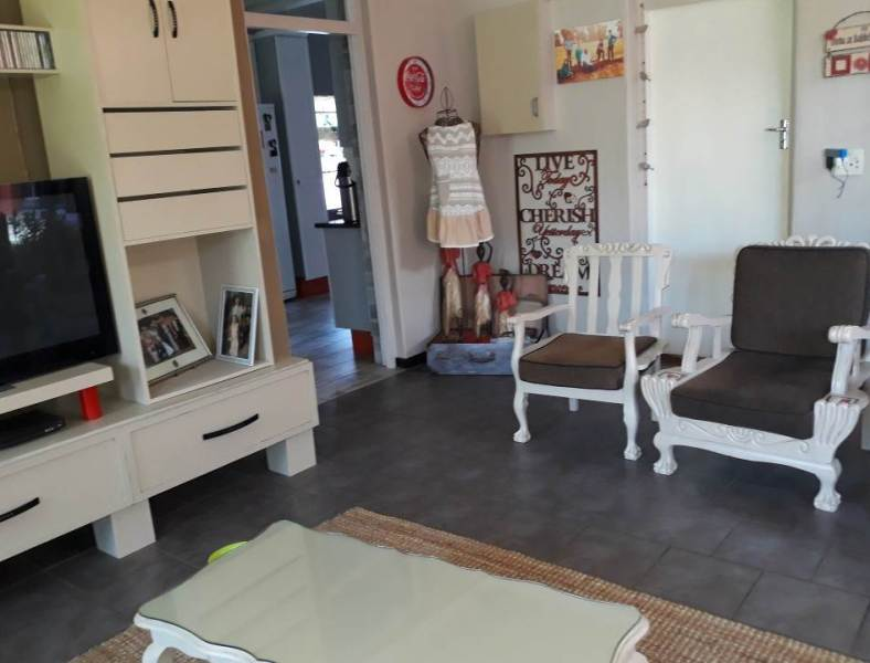 4 Bedroom House for sale in Florentia ENT0079846 : photo#13