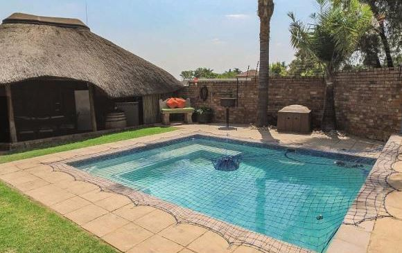 On Auction Garsfontein Pretoria. Pre-Auction offers accepted.