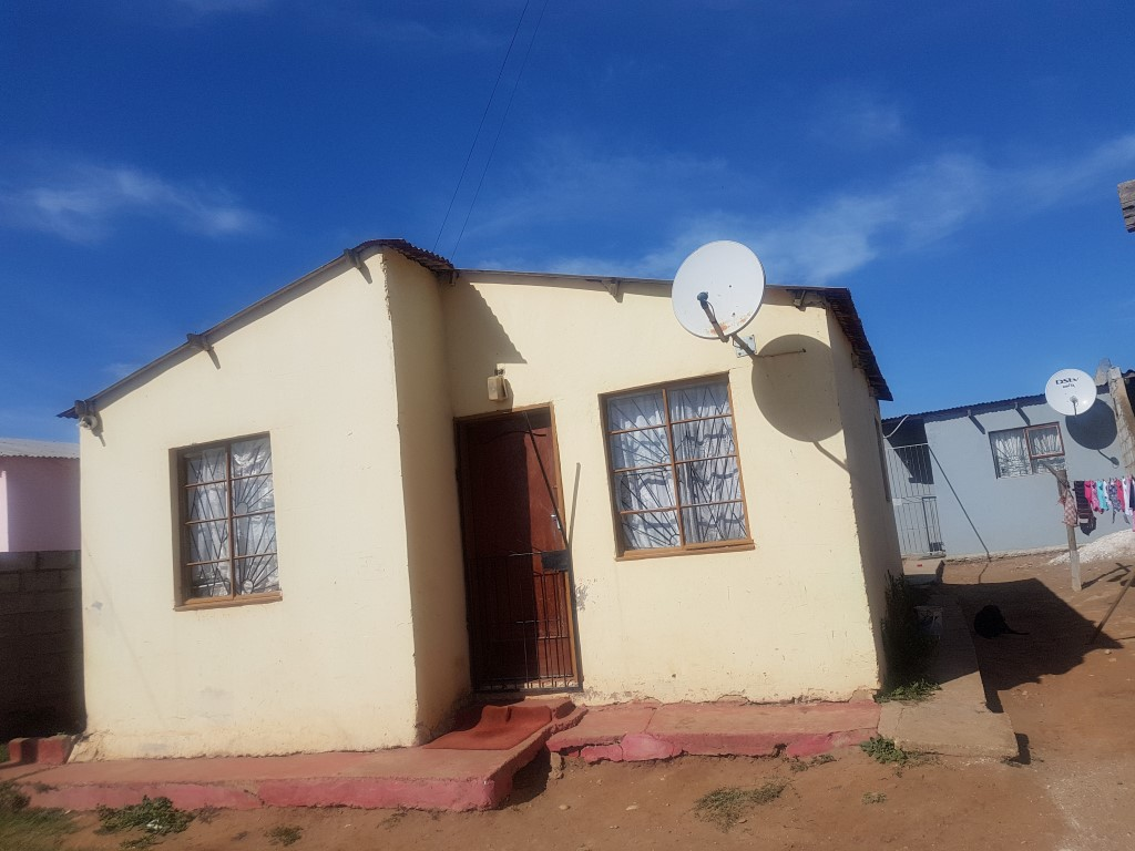 Starter up home for sale in kwazakele
