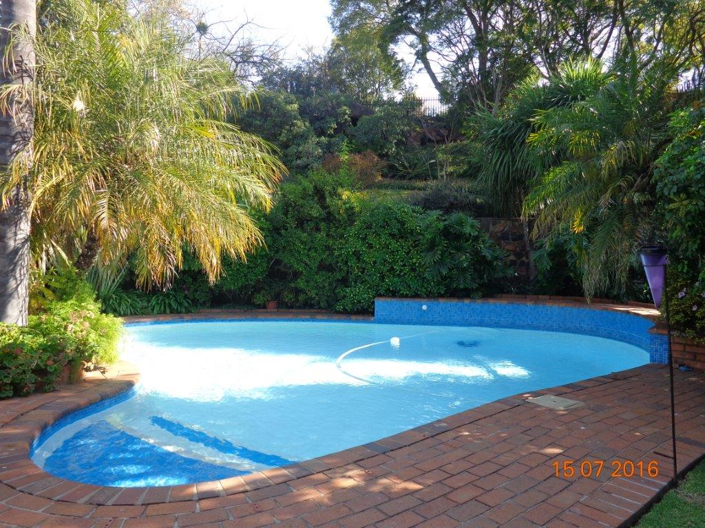 Bargain buy. 4 Bedroom family home on large treed stand with pool