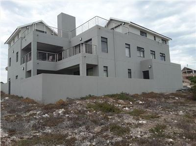 6 BedroomHouse For Sale In Calypso Beach