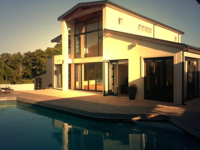 4 BedroomHouse For Sale In Constantia