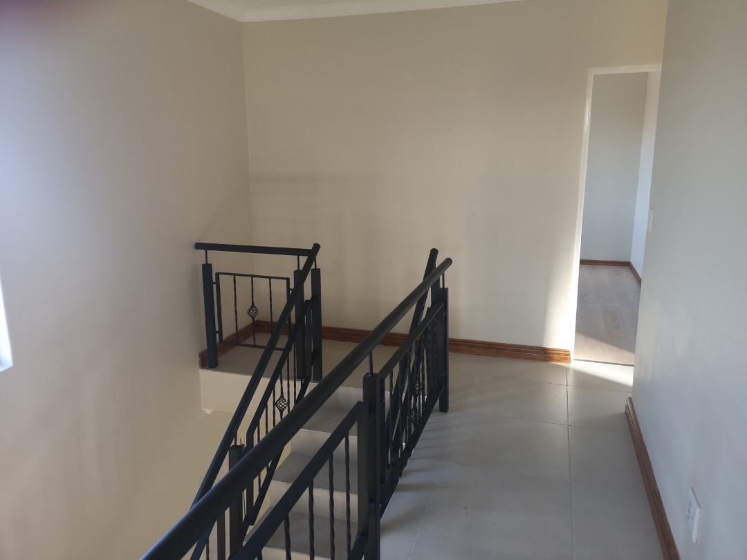 Beautiful Newly Built 4+ Bedroom Family Home