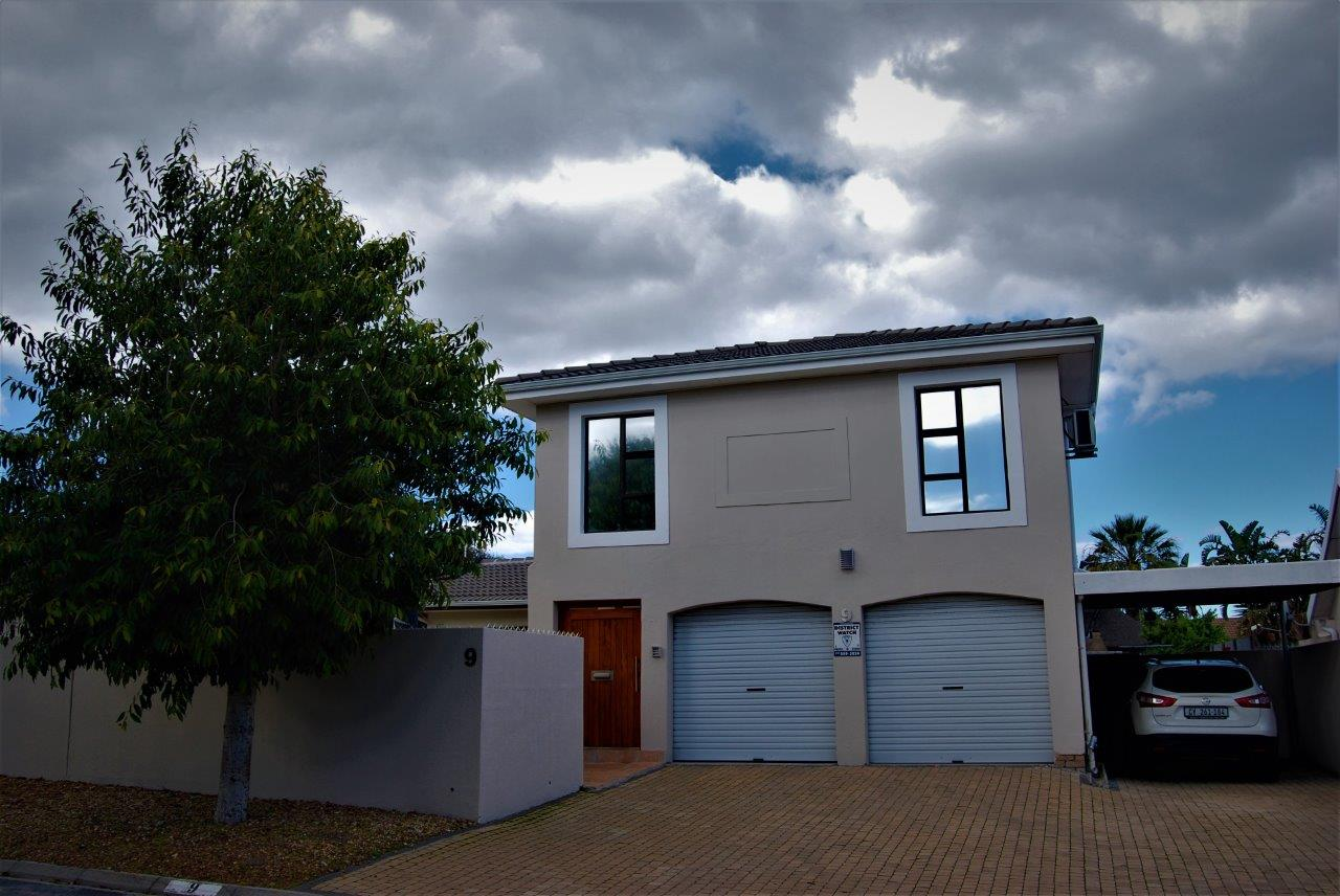 4 BedroomHouse Pending Sale In Welgelegen