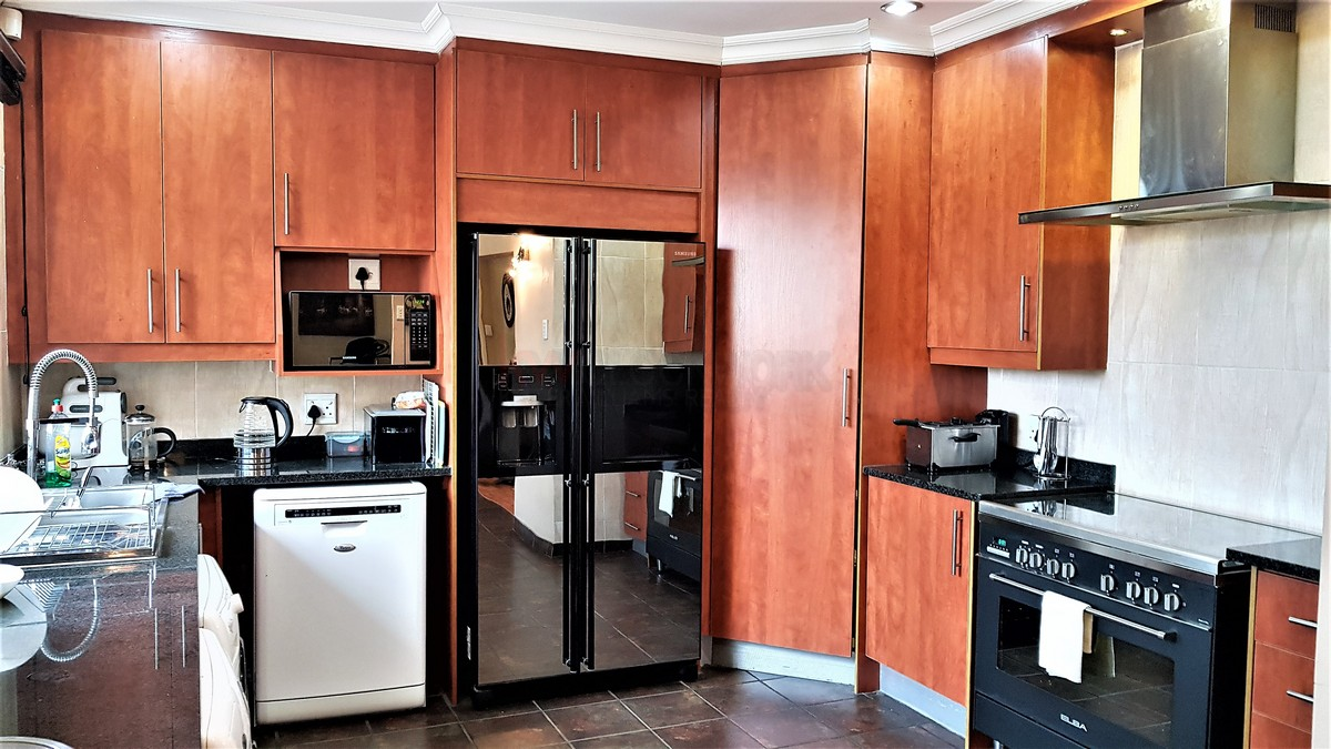 3 Bedroom House for sale in Verwoerdpark ENT0084632 : photo#4