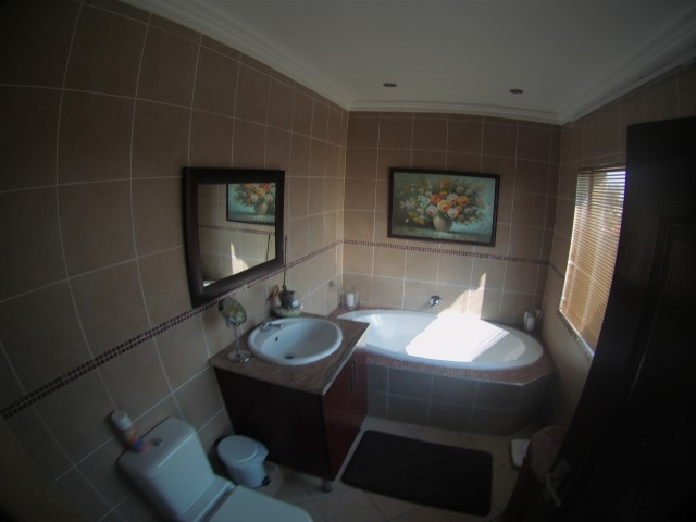3 Bedroom Townhouse for sale in Bassonia ENT0067326 : photo#8