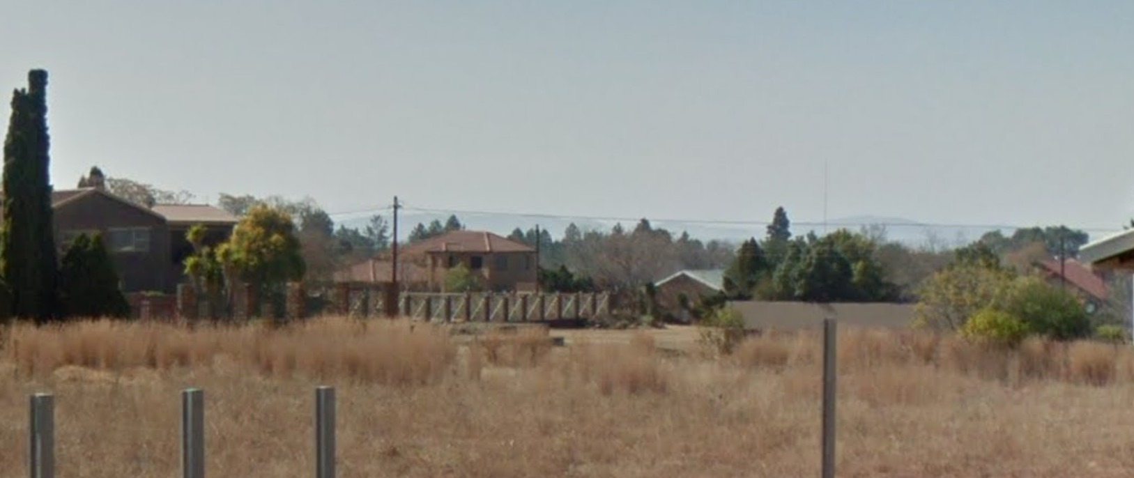 STAND IN DENEYSVILLE WITH VIEW OF THE VAAL DAM