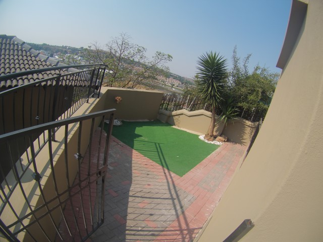 3 Bedroom Townhouse for sale in Bassonia ENT0067326 : photo#2
