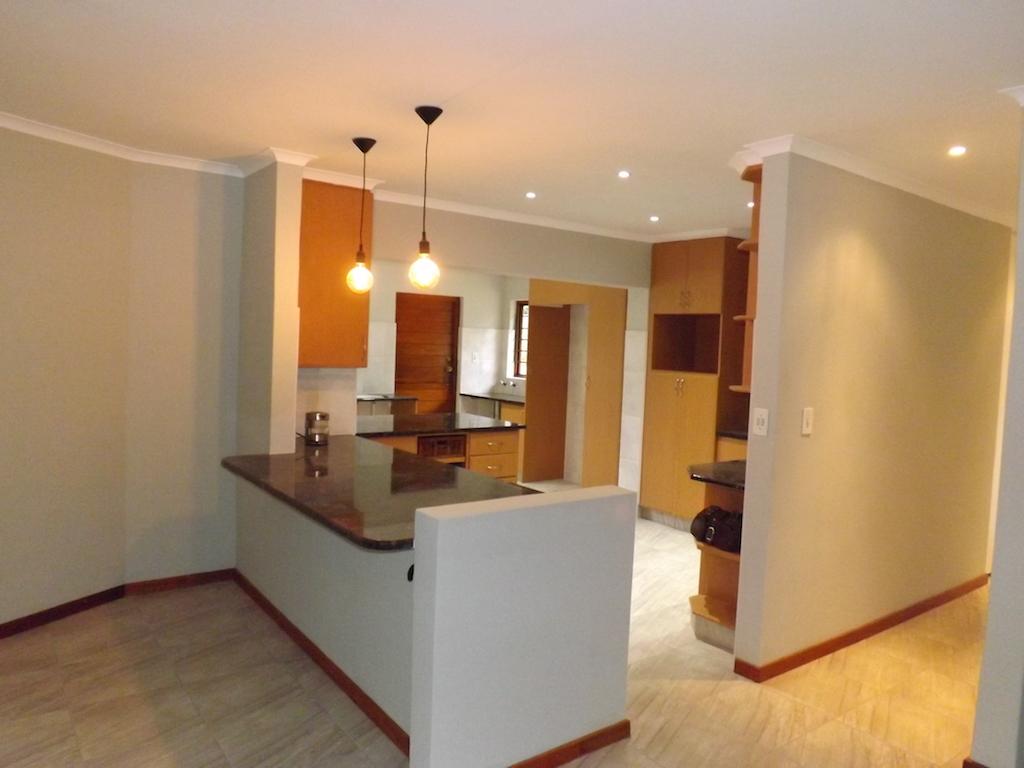 4 BedroomHouse To Rent In Douglasdale