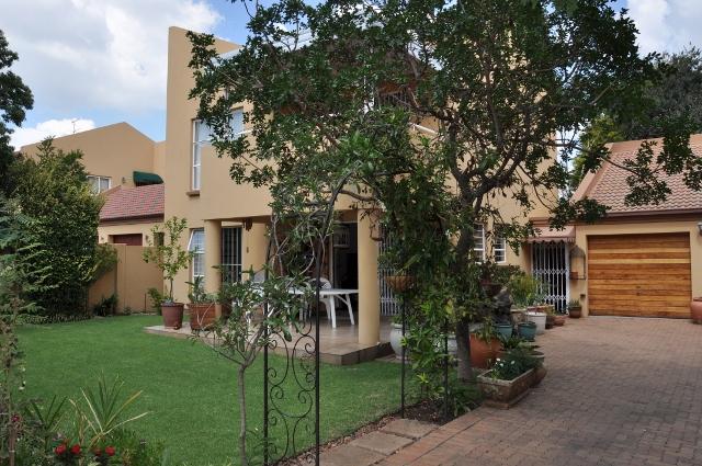 3 BedroomTownhouse For Sale In Eden Glen