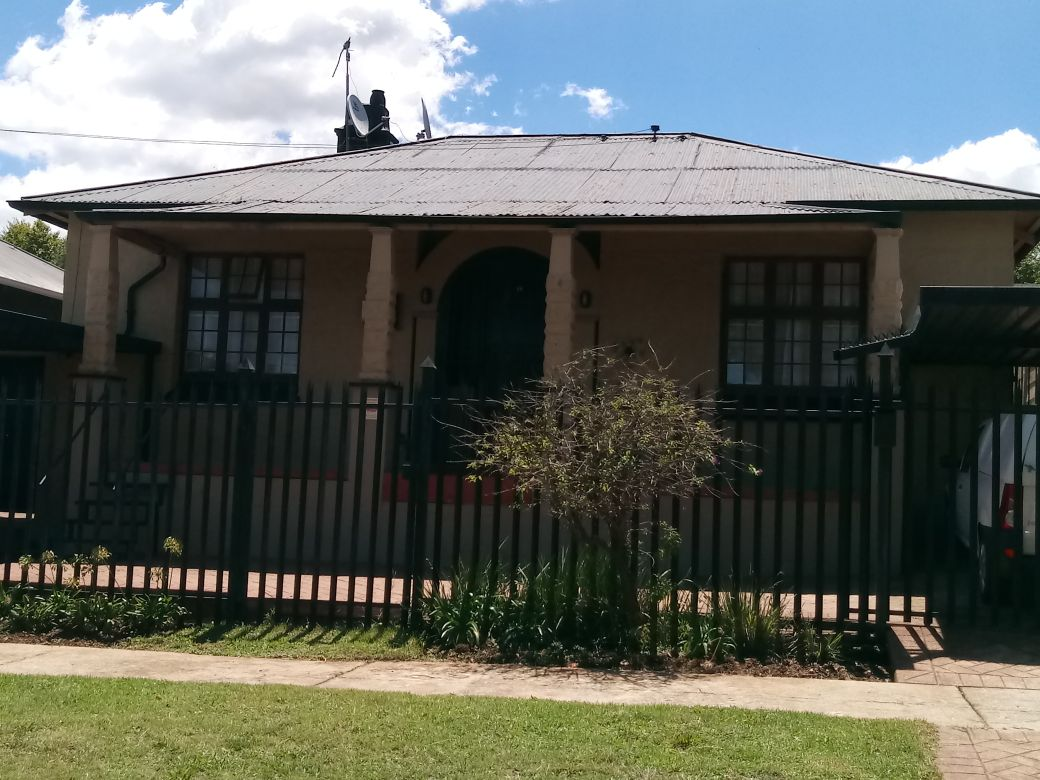 2 BedroomHouse For Sale In Krugersdorp North