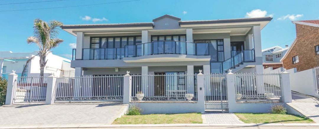 4 Bedroom house for sale in Reebok