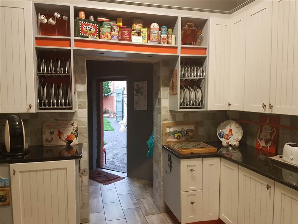 4 Bedroom House for sale in Florentia ENT0079846 : photo#22