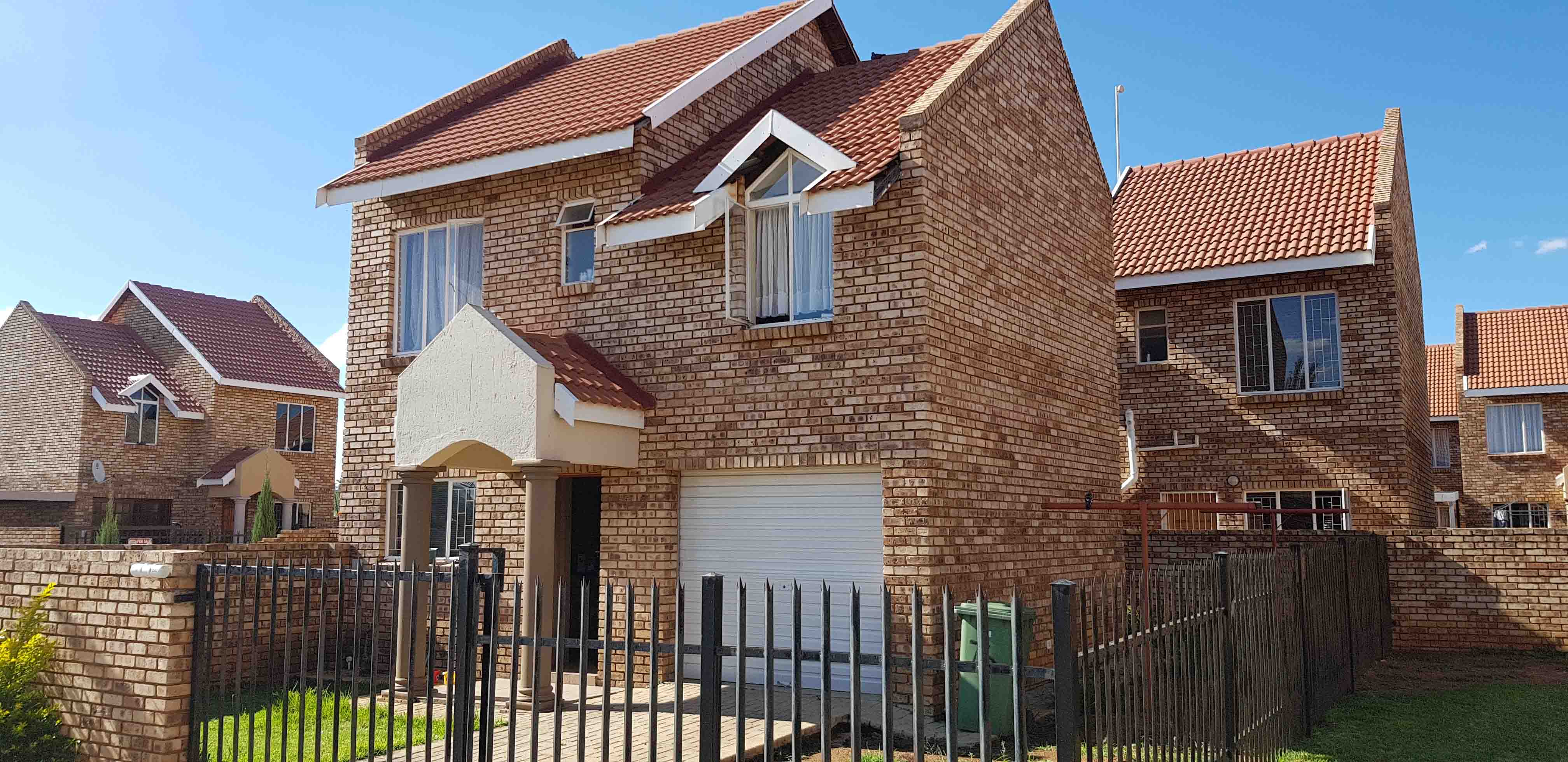 3 BedroomTownhouse For Sale In Baillie Park