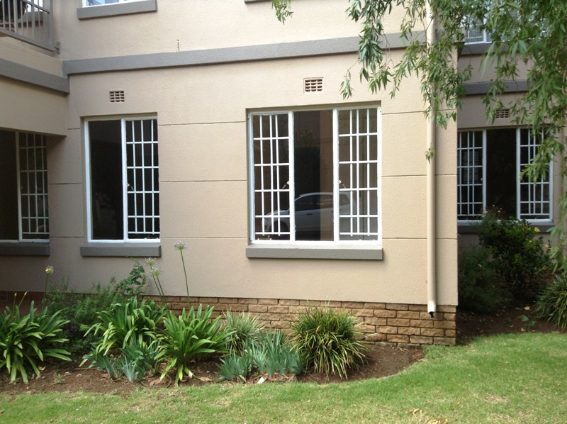 2 BedroomTownhouse To Rent In Eastleigh