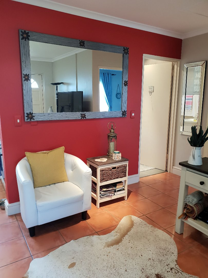 STUNNING TWO BEDROOM TOWNHOUSE