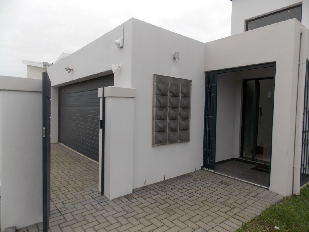 Modern Home on 667 Sq.m corner plot - Ready for occupation!