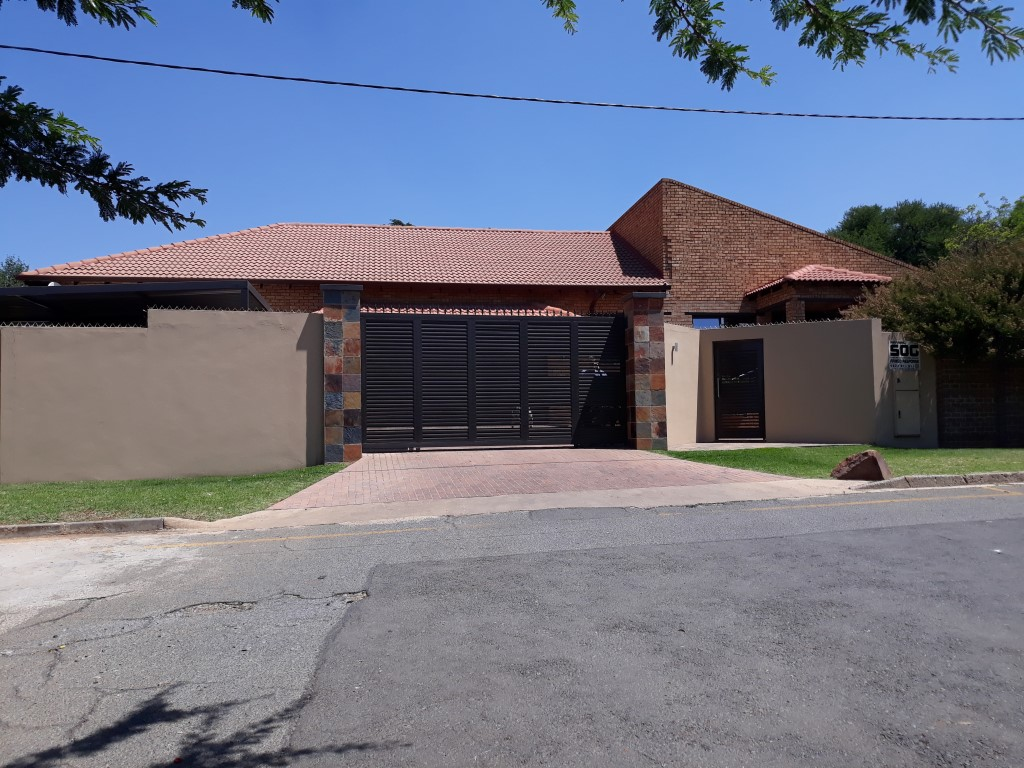 4 Bedroom House for sale in South Crest ENT0074549 : photo#0