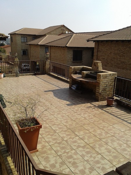 2 BedroomTownhouse To Rent In Eden Glen