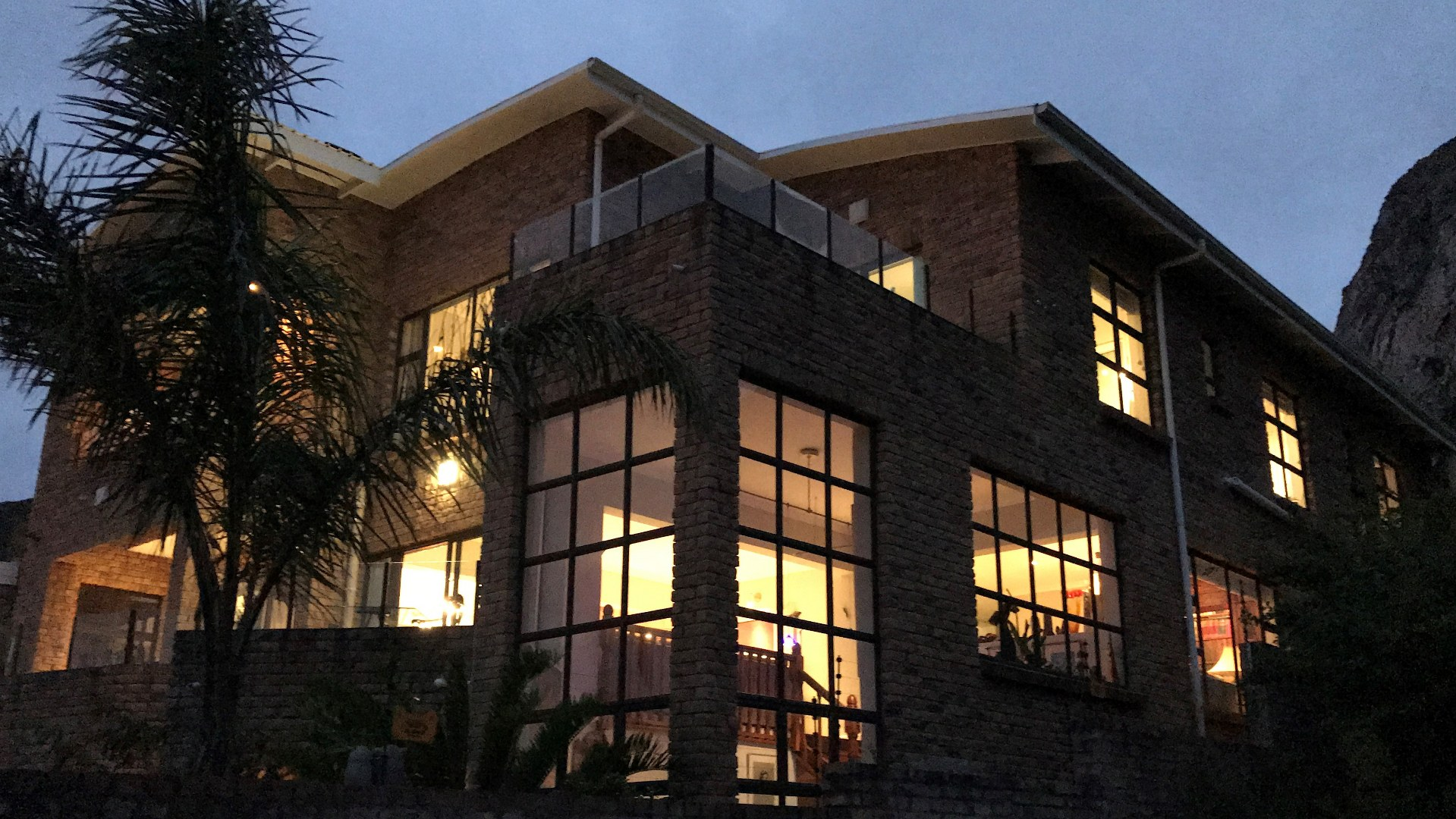8 BedroomHouse For Sale In Voelklip