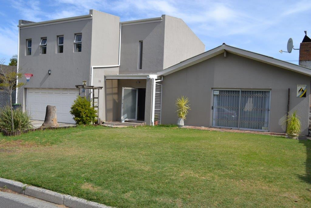5 BedroomHouse For Sale In Brackenfell