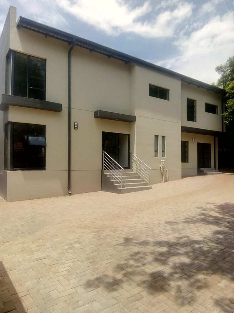 THE PERFECT OFFICE BLOCK, ON MAIN ROAD!!! GREENSIDE!!!