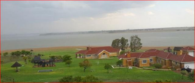 PENINSULA ON THE VAAL DAM, SECURE ECO ESTATE!!!