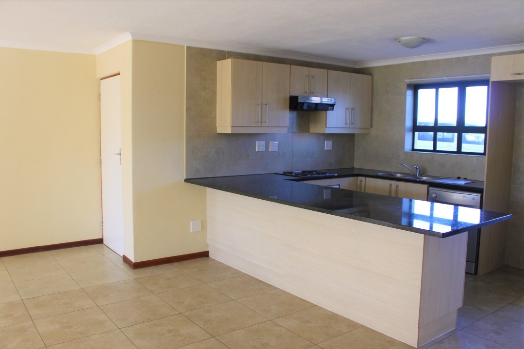 3 Bedroom Apartment for sale in Westcliff ENT0092984 : photo#2