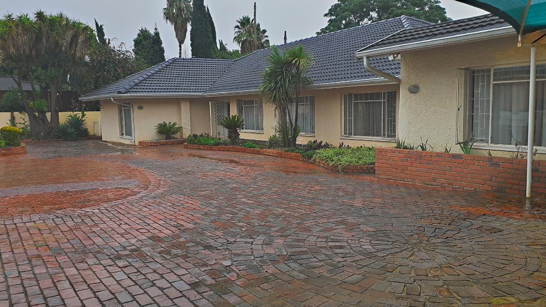 4 Bedroom Home in Bedfordview