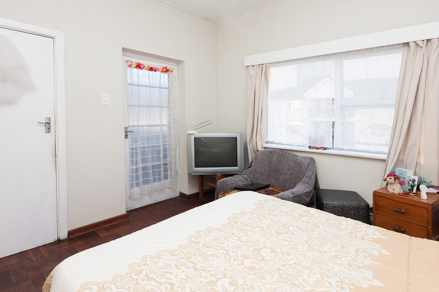 2 Bedroom Apartment pending sale in Humewood ENT0048095 : photo#5