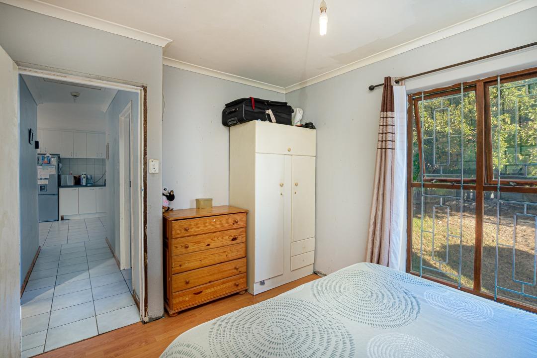 Bedroom 1.2.jpeg
