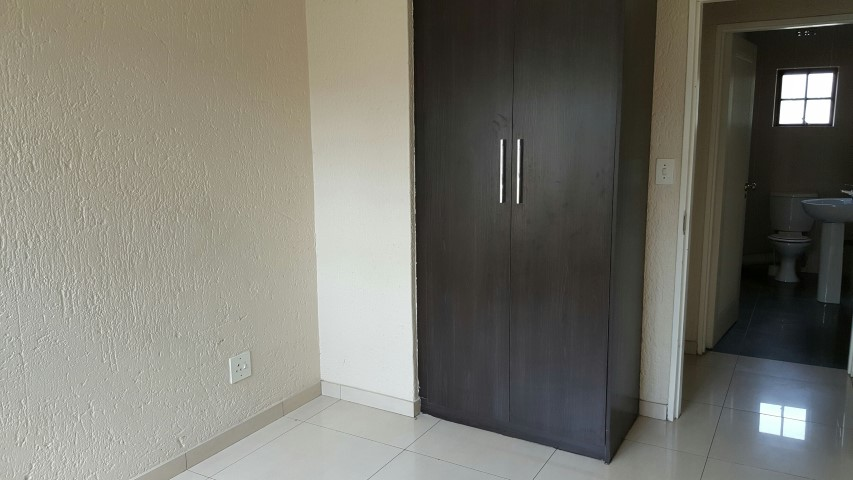 2 Bedroom Apartment for sale in Sandown ENT0081480 : photo#8