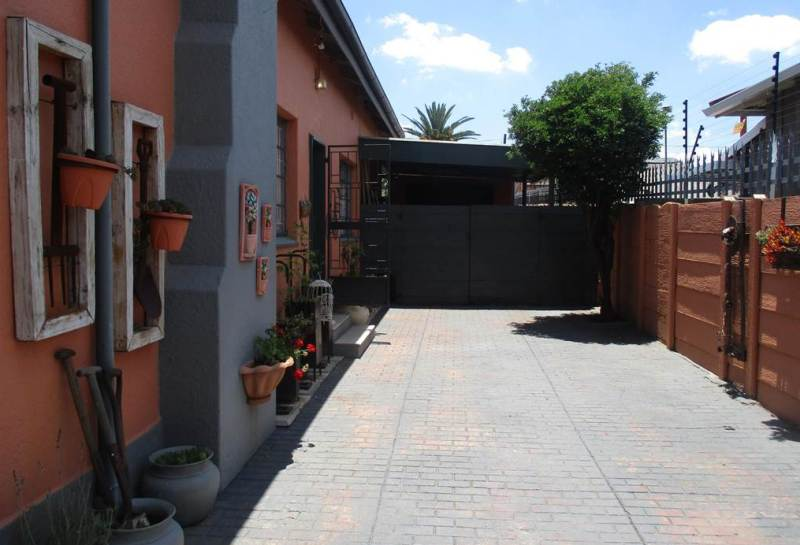 4 Bedroom House for sale in Florentia ENT0079846 : photo#24