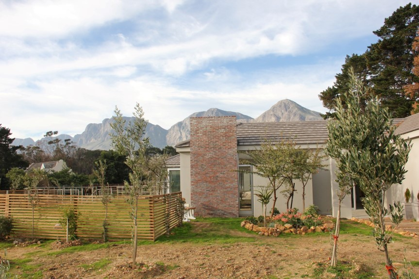 Country living in modern family home - Tre Donne Estate, Somerset West